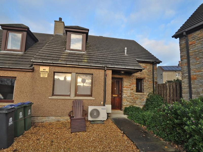 2 Earls Court, Kirkwall, KW15 1XY